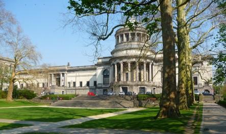 Verzinkbare palen aan het Koninklijk Museum te Brussel